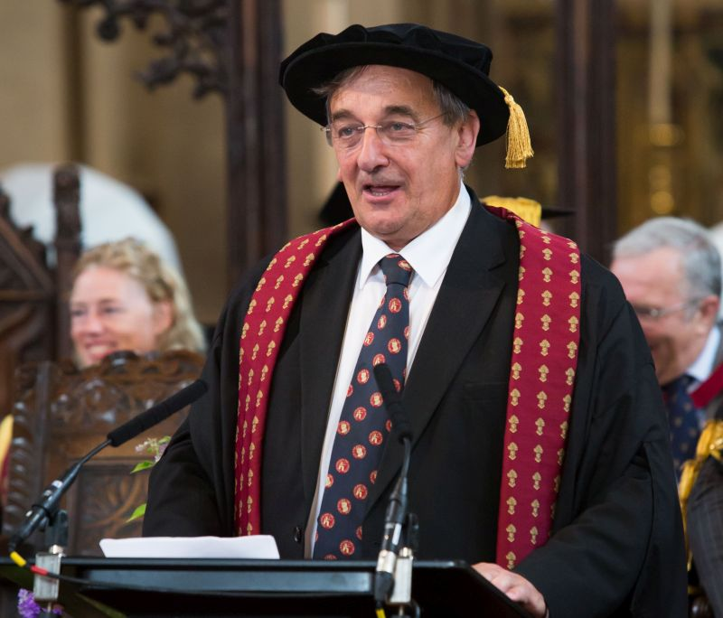 Meurig Raymond has now been presented an Honour Fellowship from the Royal Agricultural University