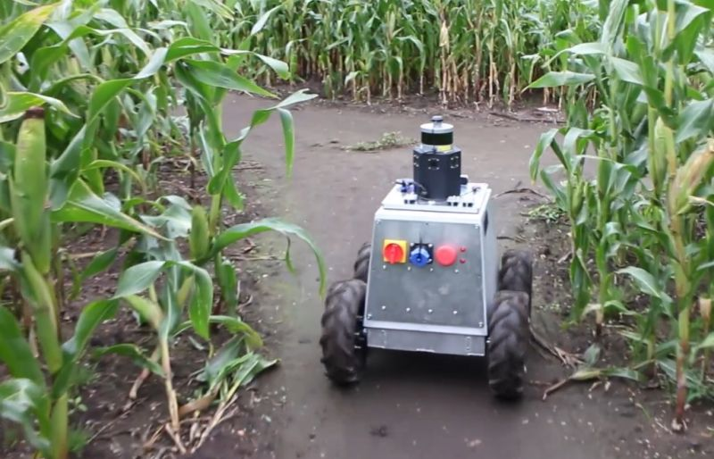 Mamut is an AI-powered autonomous robotic platform equipped with an array of sensors