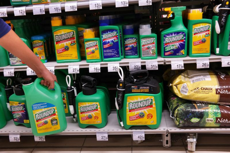 Glyphosate is the most widely used herbicide in US agriculture, used on more than 100 food crops