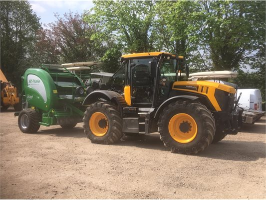 Thieves stole an 18-plate JCB Fast Track tractor and a green baler