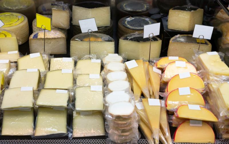 Cheese is the largest EU dairy export in both volume and value terms