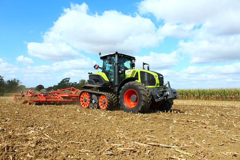 The tractor has great power and fuel efficiency through high traction and minimal slippage, even during heavy tillage at low speed