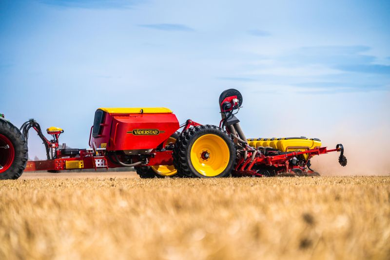 Vaderstad is introducing its new high-speed precision drill, the Tempo L 8