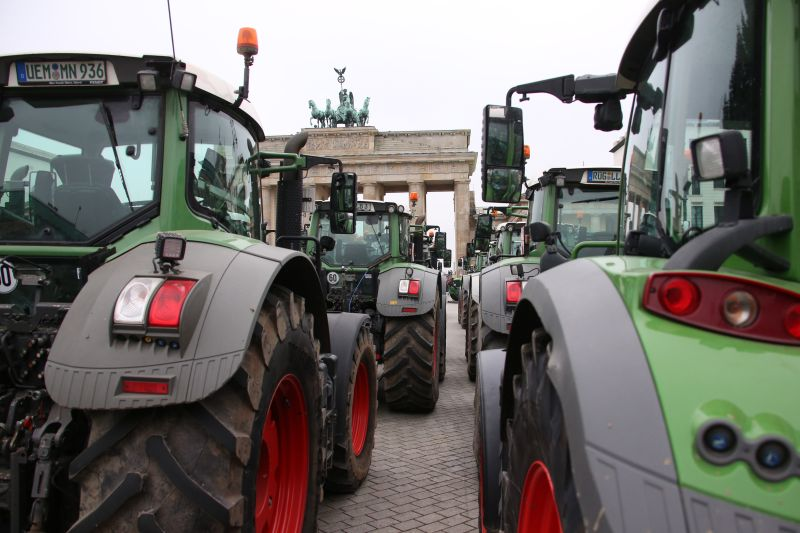 German farmers took to the country's capital on Tuesday in a mass protest involving up to 10,000 people (Photo: Action Press/Shutterstock)