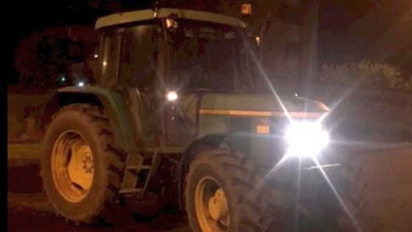 The tractor driven by a 12-year-old boy was safely intercepted by the police (Photo: Meath Roads Policing Unit/Facebook)