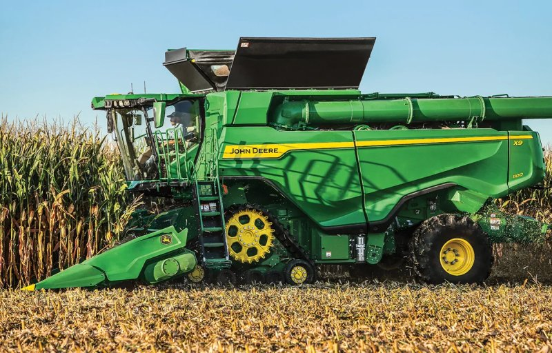 The X9 combine and C16F folding corn head can harvest up to 7,200 bushels per hour of high-yielding corn