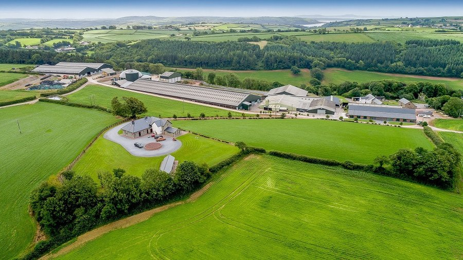 A 500kw anaerobic digestion plant, currently fed on the dairy farm's slurry bedding and running at optimum capacity, provides electricity to the unit