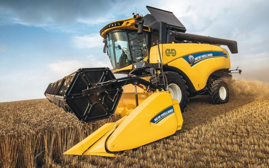 The mid-range CH combine sets new standards of capacity and versatility (Photo: New Holland)