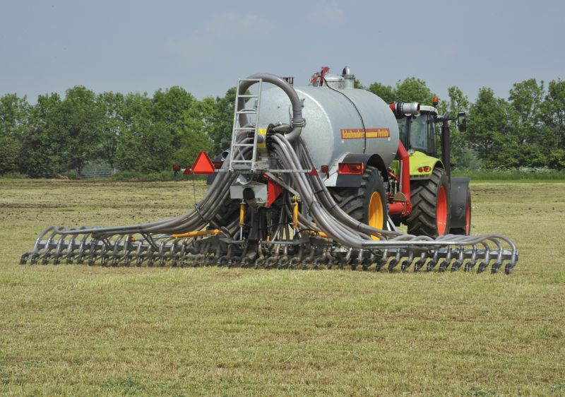 The government's new strategy to tackle air pollution looks at new rules to be introduced for farmers to tackle ammonia emissions (Photo: John Eveson/Flpa/imageBROKER)