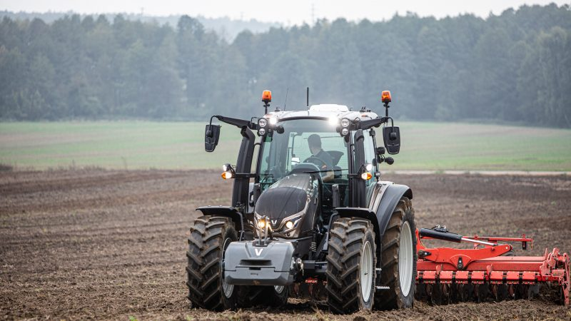 The G series is the first in the 5th generation of Valtra tractors and at the same time a brand-new model series