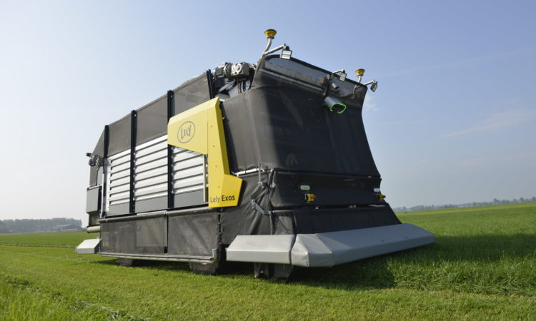 The unique system is based on an electric vehicle that autonomously mows, loads and dispenses grass in the barns (Photo: Lely)