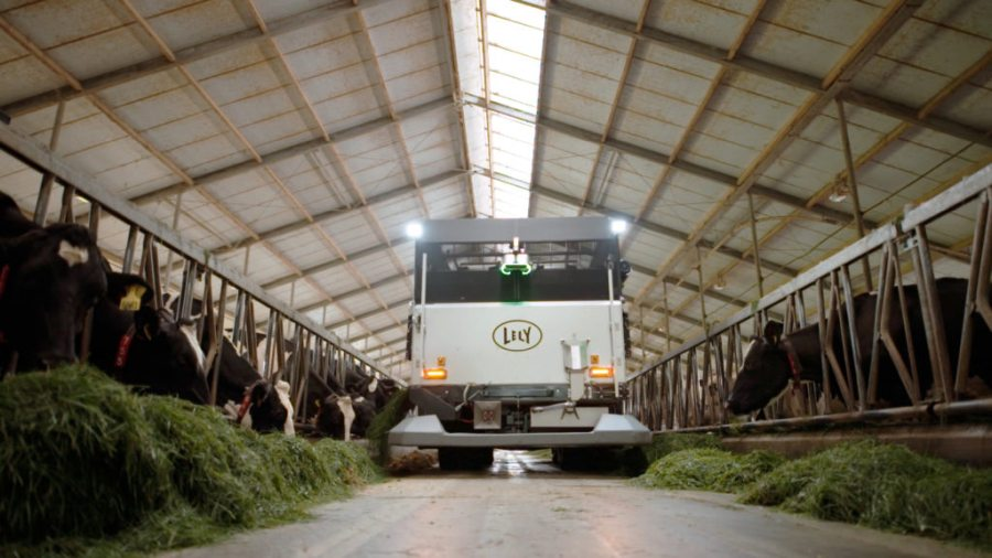 The fully autonomous, electric vehicle harvests and feeds fresh grass (Photo: Lely)