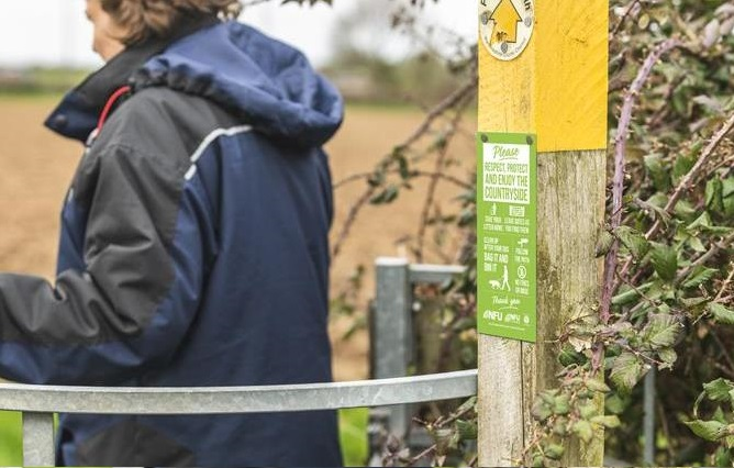 The sign for use on rights of way urges members of the public to visit the countryside responsibly