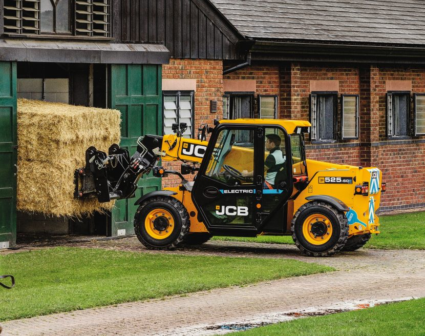 JCB have designed the 525-60E Loadall to deliver the same performance as their conventional diesel powered machine