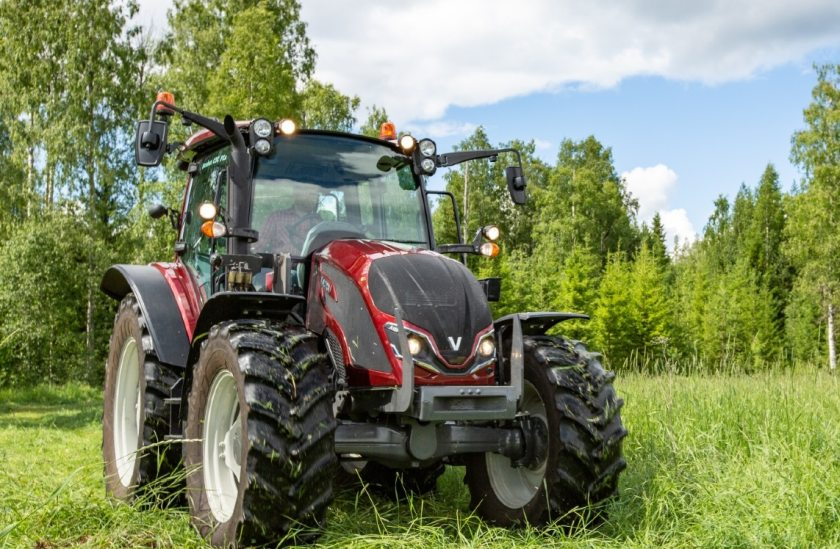 Valtra's A-series continues to comprise of seven models to choose from