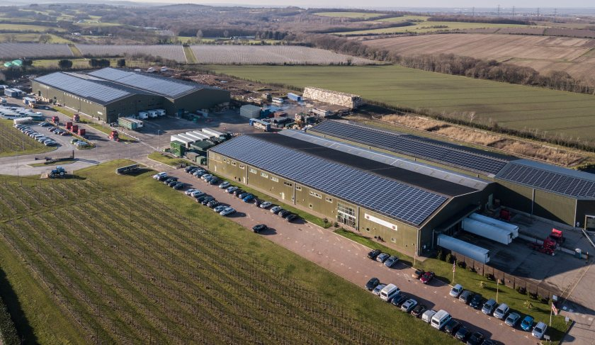 The installation will reduce the farming business's carbon emissions by 293,121kg's per annum