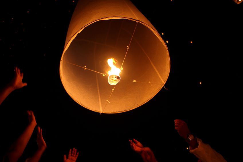 The government should introduce a national ban on sky lanterns, rural groups say