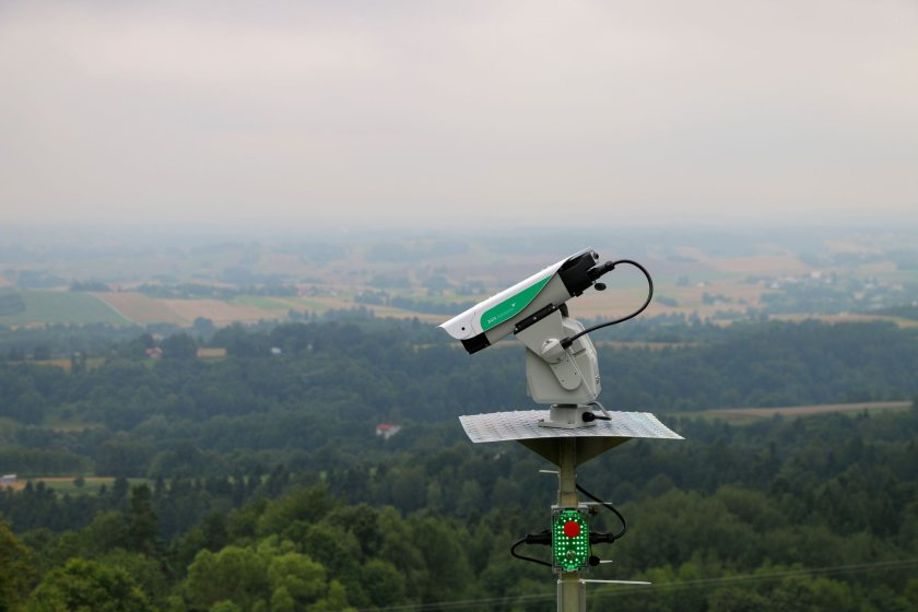 The bird deterrent system uses lasers to spook wild birds, particularly waterfowl